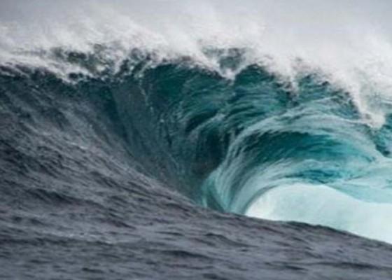 Nusabali.com - cuaca-ekstrem-nelayan-kedonganan-tetap-melaut
