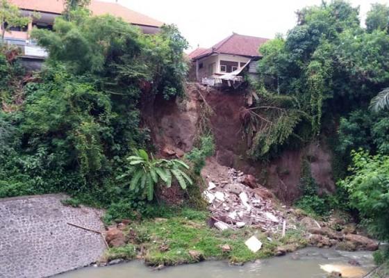 Nusabali.com - senderan-sungai-di-sdn-6-ubung-segera-dikerjakan