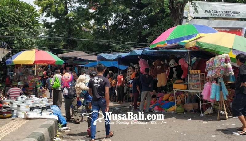 www.nusabali.com-panitia-pasar-adat-pergung-batasi-penggunaan-kantong-plastik