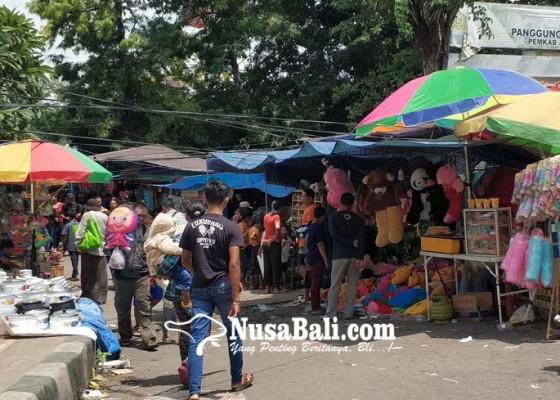 Nusabali.com - panitia-pasar-adat-pergung-batasi-penggunaan-kantong-plastik