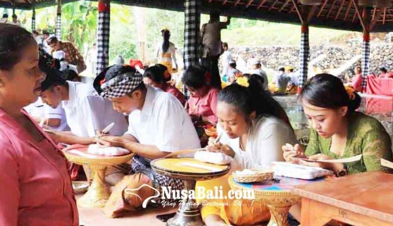 www.nusabali.com-siswa-sd-hingga-pamangku-ikut-wimbakara-bulan-bahasa-bali