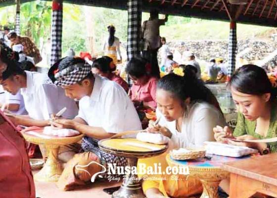Nusabali.com - siswa-sd-hingga-pamangku-ikut-wimbakara-bulan-bahasa-bali