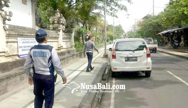 www.nusabali.com-antisipasi-parkir-sembarang-dishub-kembali-turun-ke-kuta