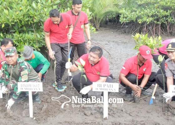 Nusabali.com - polres-jembrana-perluas-hutan-mangrove-di-pesisir-budeng