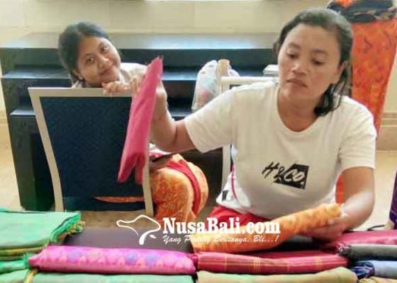 Nusabali.com - produk-tenun-tradisional-terimbas-corona