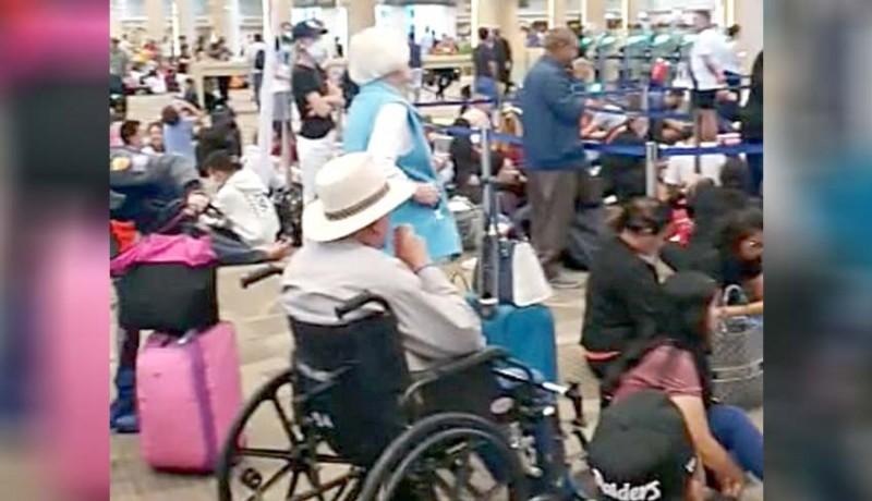 www.nusabali.com-ribuan-wisman-tertahan-di-bandara-ngurah-rai