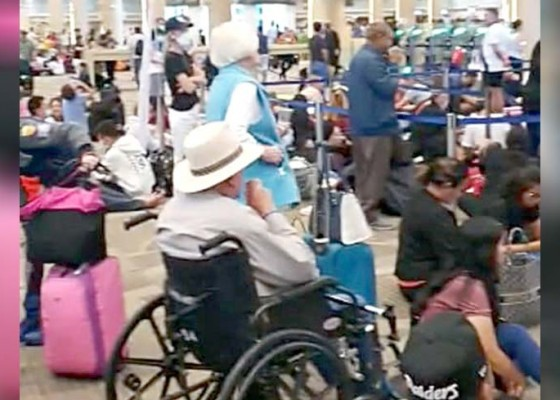 Nusabali.com - ribuan-wisman-tertahan-di-bandara-ngurah-rai