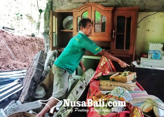 Nusabali.com - penghuni-rumah-nyaris-tertimbun