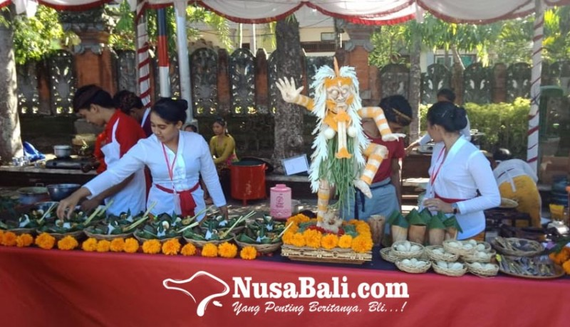 www.nusabali.com-siswa-smk-di-gianyar-berlomba-masak-kuliner-bali-bumbu-rempah