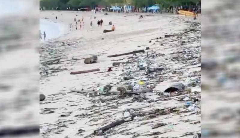 www.nusabali.com-sampah-kiriman-mulai-kotori-pantai-di-badung