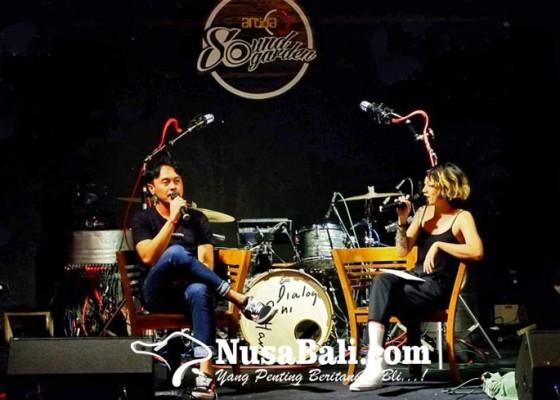 Nusabali.com - deny-surya-dialog-dini-hari-berbagi-kisah-seorang-drummer