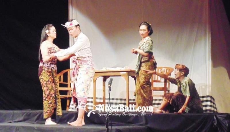 www.nusabali.com-penampilan-perdana-sanggar-mahasaba-unud-tampilkan-karya-satir