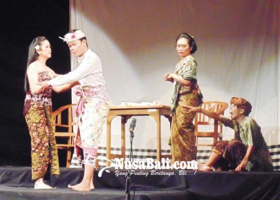 Nusabali.com - penampilan-perdana-sanggar-mahasaba-unud-tampilkan-karya-satir