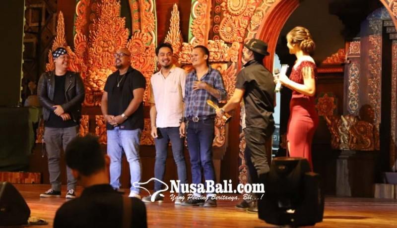 www.nusabali.com-berkumpulnya-musisi-dan-penyanyi-bali