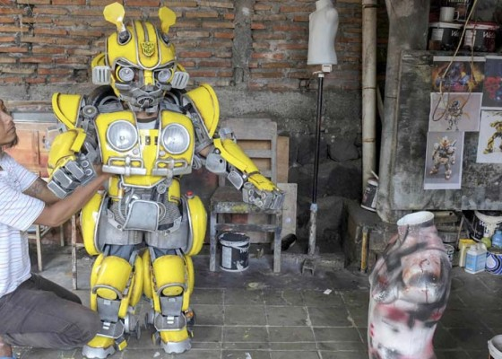 Nusabali.com - kerajinan-kostum-robot