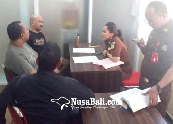 Nusabali.com - bareskrim-limpahkan-gembong-ekstasi-tabanan