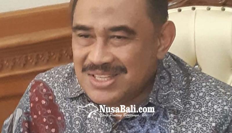 www.nusabali.com-966-wisman-china-perpanjang-izin-tinggal