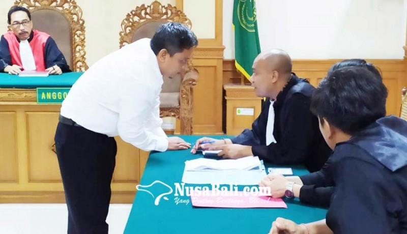 www.nusabali.com-eks-ketua-lpd-gerokgak-disidang
