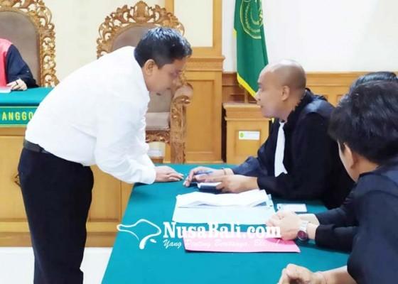 Nusabali.com - eks-ketua-lpd-gerokgak-disidang