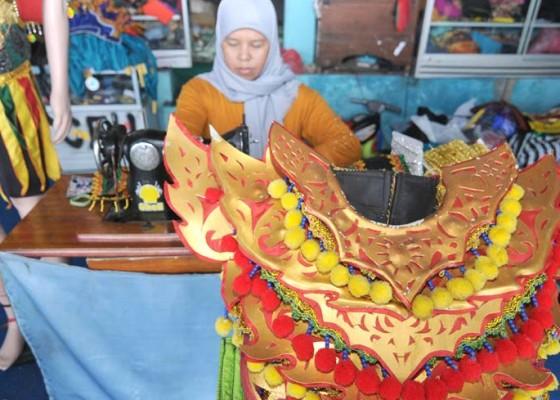 Nusabali.com - kerajinan-kostum-tarian-tradisional