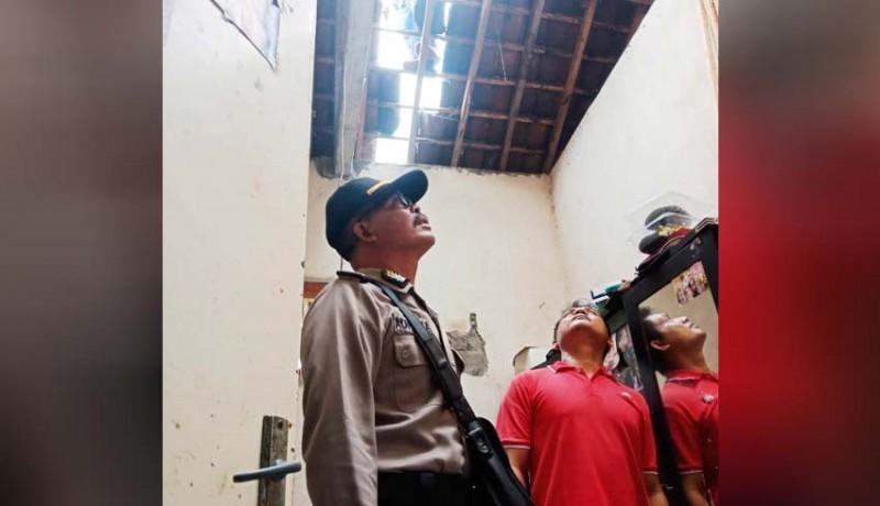 www.nusabali.com-angin-kencang-sejumlah-rumah-rusak