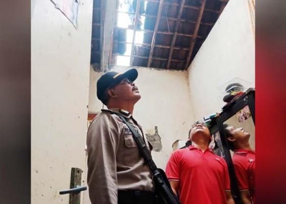 Nusabali.com - angin-kencang-sejumlah-rumah-rusak