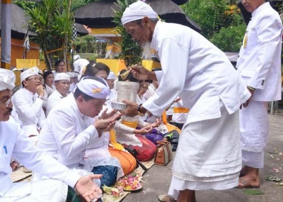 Nusabali.com - pemkab-klungkung-ngaturang-panganyar-di-pura-sad-kahyangan-batukau