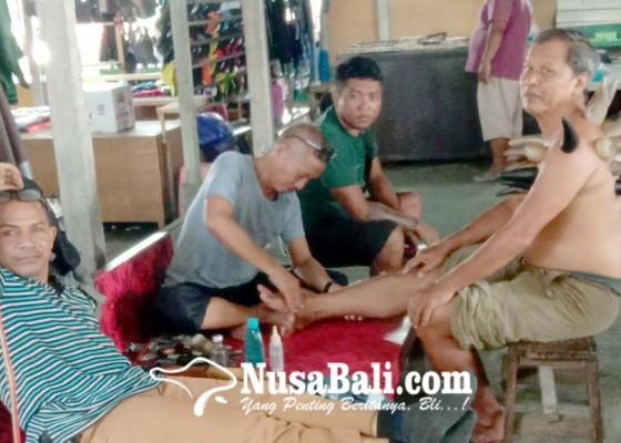 Nusabali.com - tak-hanya-sapi-jual-beli-permata-hingga-pijat-jadi-daya-tarik