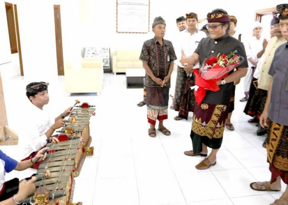 Nusabali.com - pemkab-bantu-sarana-laboratorium