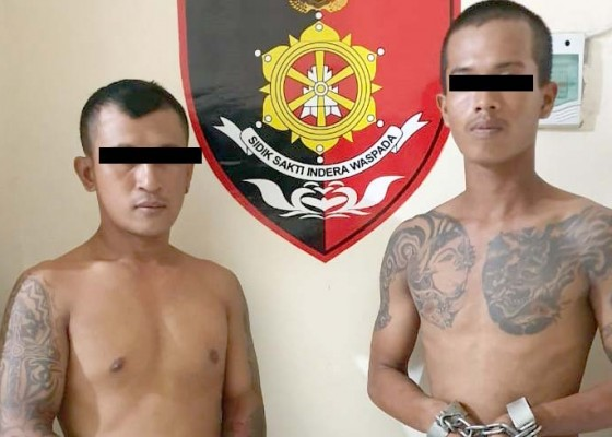 Nusabali.com - keroyok-sejoli-dua-pria-bertato-diringkus