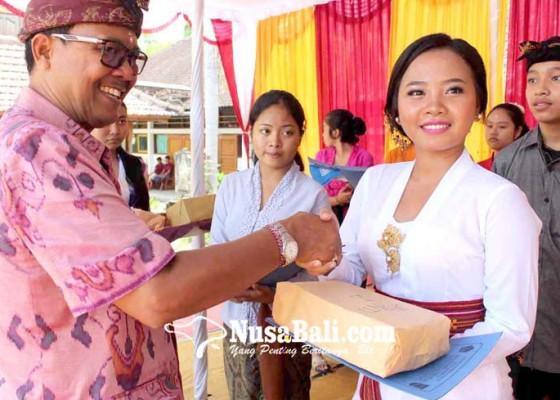 Nusabali.com - sman-1-amlapura-gelar-wimbakara-wirama-hingga-magending