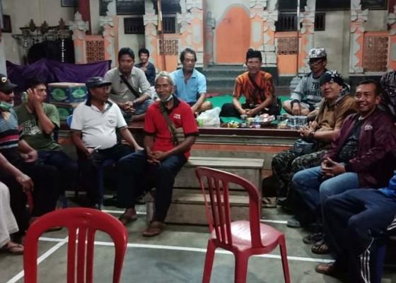 Nusabali.com - belasan-warga-desa-bila-mengungsi-ke-bale-banjar