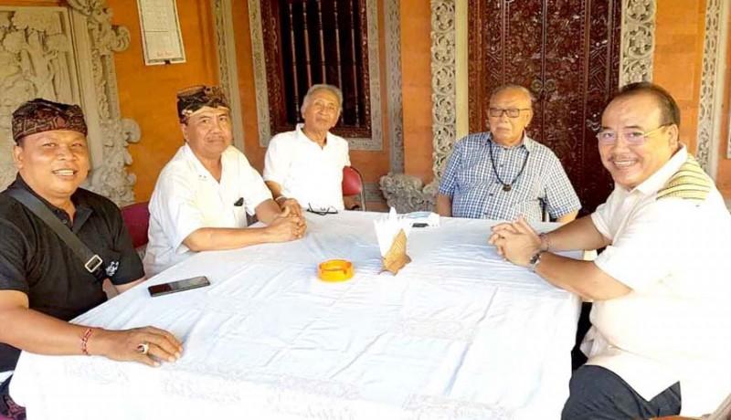 www.nusabali.com-alit-yudha-cbs-dan-dewa-oka-calon-ketua-wantimbang-golkar