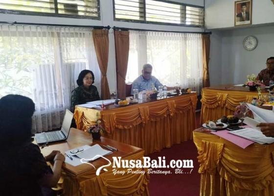 Nusabali.com - enam-calon-kadis-ppkb-jalani-tes-wawancara