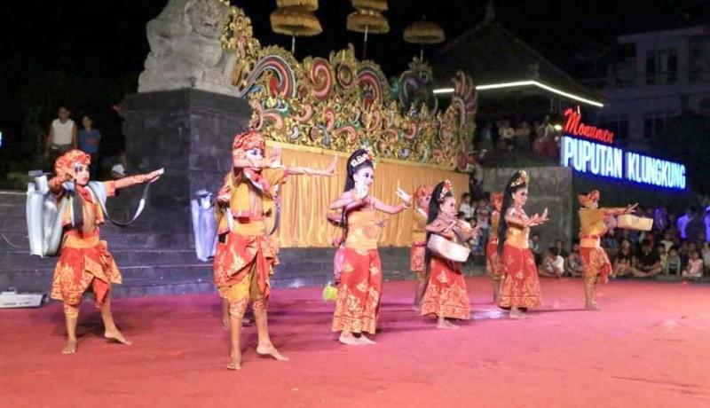 www.nusabali.com-hari-raya-kuningan-klungkung-menari-tampilkan-dolanan-jagat-kertih