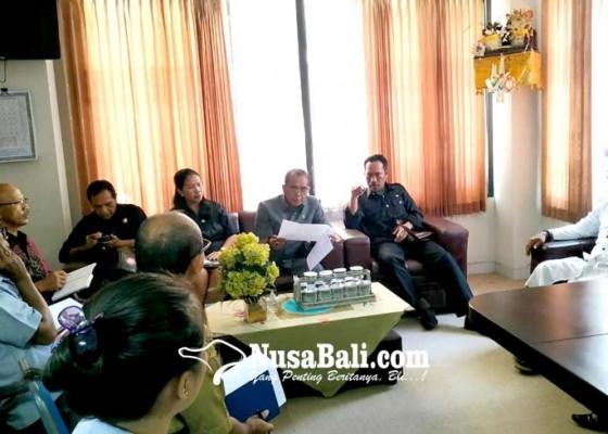 Nusabali.com - data-aset-disperindag-amburadul-dewan-tabanan-geram-dan-kecewa