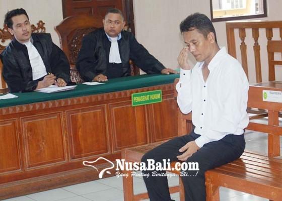 Nusabali.com - divonis-6-tahun-dagang-buah-cabul-nangis