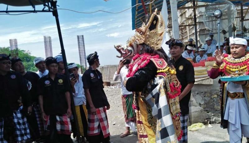 www.nusabali.com-pujawali-pura-ratu-pasek-dipuput-21-sulinggih
