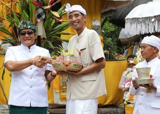 Nusabali.com - pemkab-badung-ngaturang-bhakti-penganyaran-di-pura-sad-kahyangan-batukau-tabanan