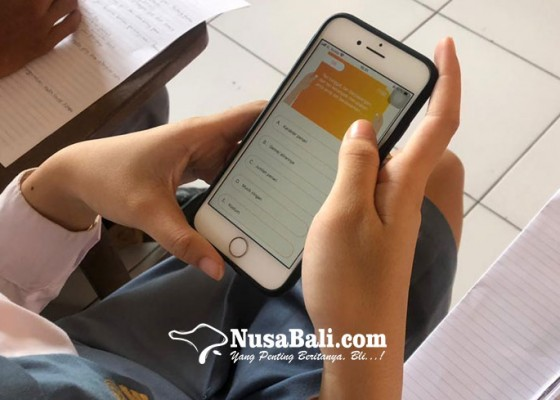 Nusabali.com - efisien-ujian-sekolah-smk-pariwisata-dalung-gunakan-aplikasi