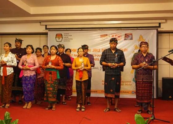 Nusabali.com - kpu-badung-lantik-18-orang-sekretariat-ppk