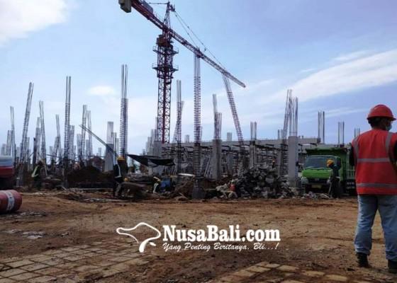 Nusabali.com - revitalisasi-pasar-banyuasri-dipastikan-aman