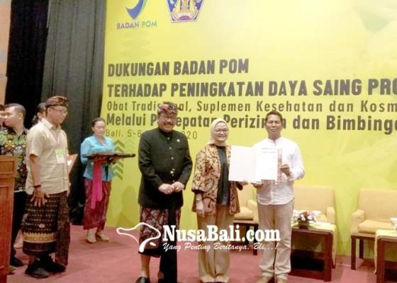 Nusabali.com - 22-umkm-di-bali-terima-sertifikat-dan-izin-edar-bpom