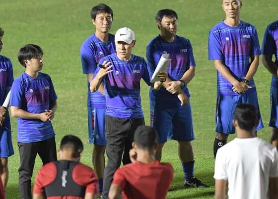 Nusabali.com - shin-tae-yong-akan-panggil-26-pemain-untuk-tc-kedua