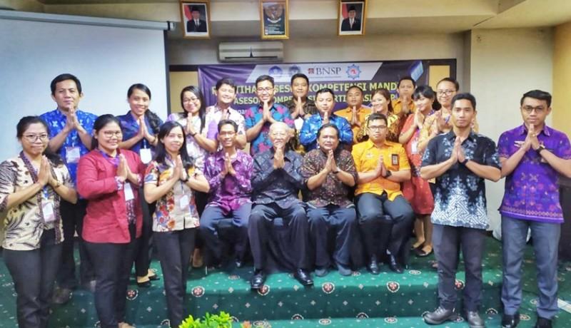 www.nusabali.com-menyongsong-indonesia-emas-2045-lsp-smk-penerbangan-cakra-nusantara-siapkan-asesor-muda-kompeten-diakui-bnsp