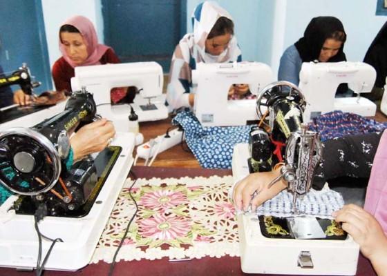 Nusabali.com - balai-keterampilan-untuk-pengungsi-wanita