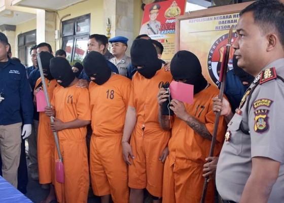 Nusabali.com - 6-pelaku-penyerangan-siswa-smp-ditangkap