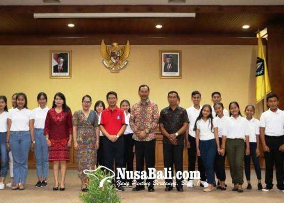 Nusabali.com - sekda-adi-arnawa-buka-grand-final-pemilihan-duta-anak-tahun-2020