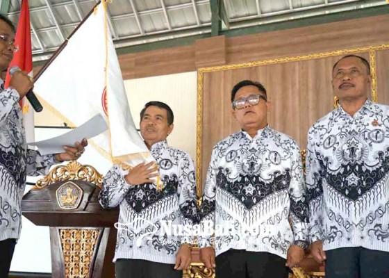Nusabali.com - kakak-bupati-pimpin-pgri-karangasem