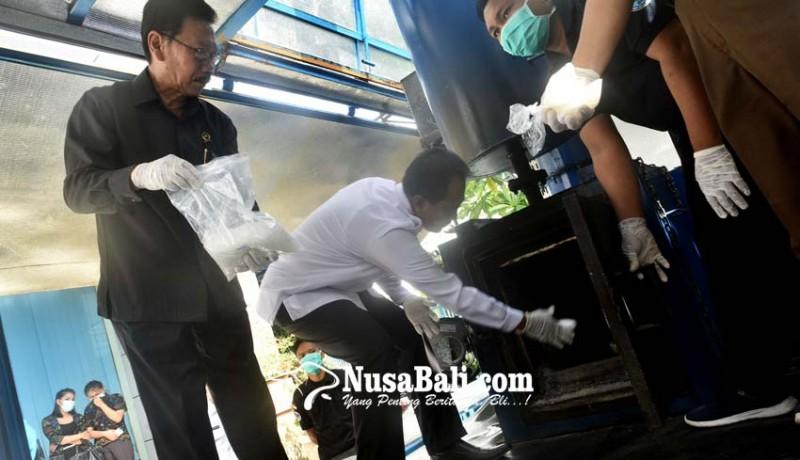 www.nusabali.com-17-kg-shabu-dan-741-butir-mdma-dimusnahkan